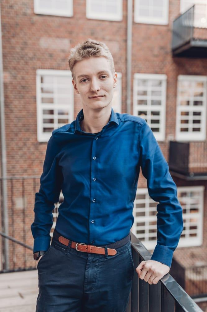 Portraitaufnahme vom Auszubildenden Marc Luca Blaschke