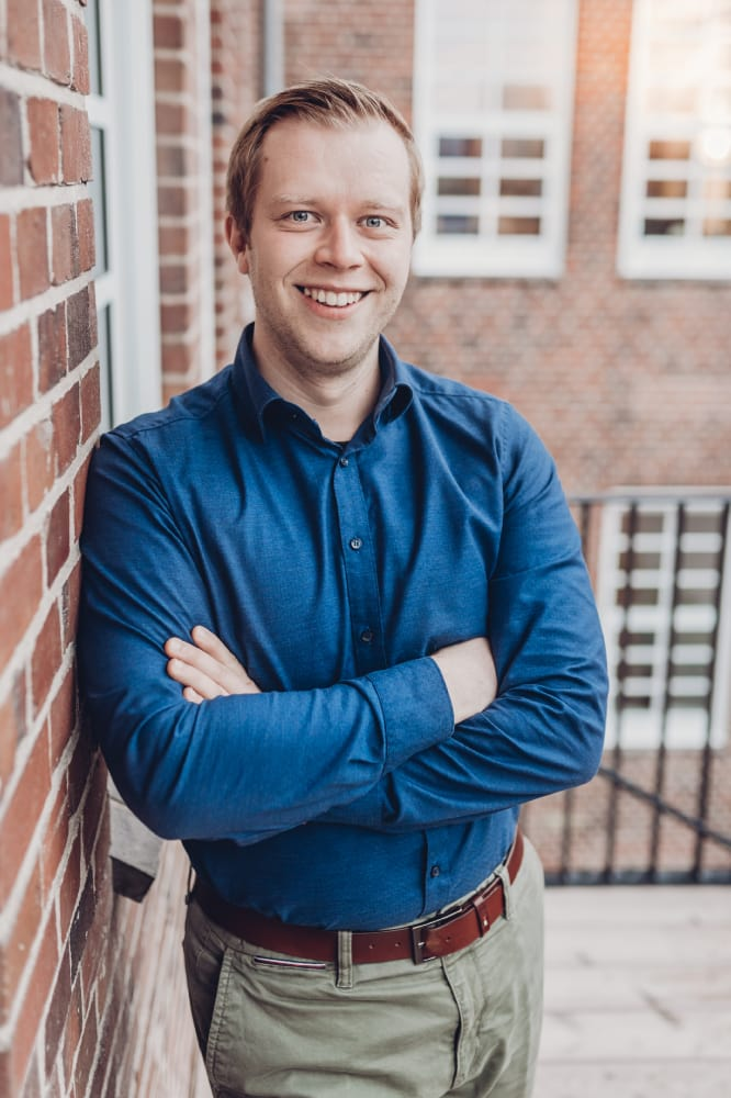 Portraitaufnahme vom gesellschaftenden Geschäftsführer Philipp Moje